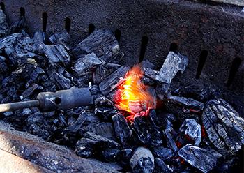 バーベキュー用の炭